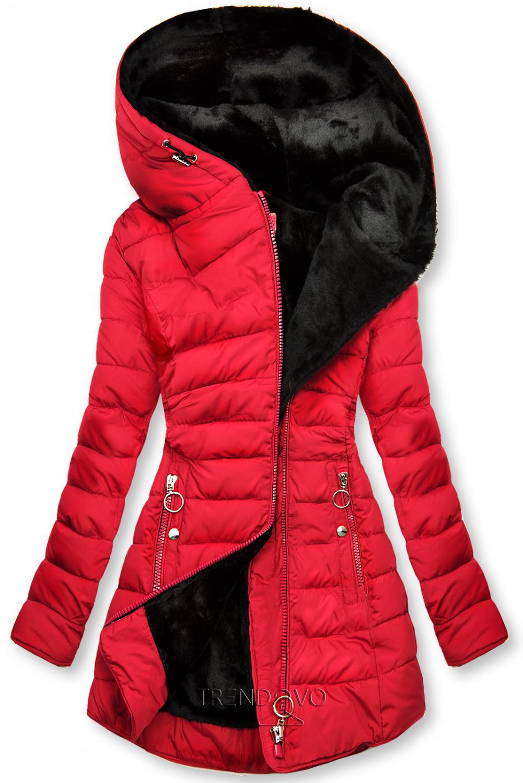Červená prošívaná bunda s černou plyšovou podšívkou
