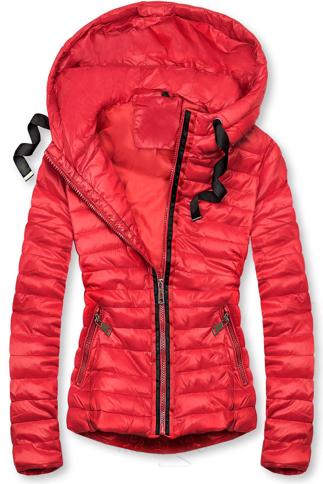 Červená prošívaná lesklá bunda